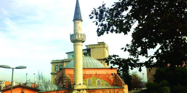 Minaresi Kalem Gibi Zariftir Ahî Çelebi Camii'nin