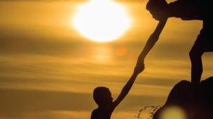 Övülen İsâr Ehli Müminlerden  Olmak İçin Çalışmalıyız